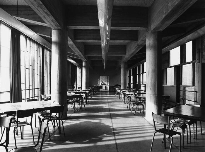 Couvent de la Tourette par Le Corbusier 1b8c509b690c74cdd6a7a6e9d7cf7d8614a8622f